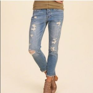 Hollister vintage boyfriend destroyed jeans size 3